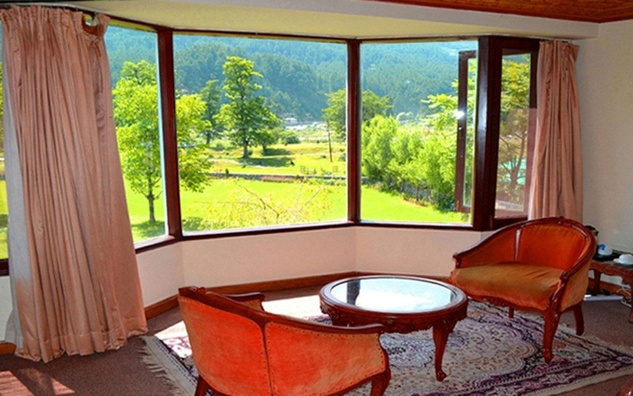 http://hotelwoodstock.in/wp-content/uploads/2019/12/kashmiri-room-2.jpg